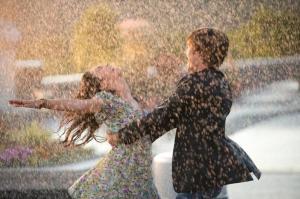 rain-happy-couple-485x728
