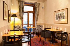 1 cafe lounge